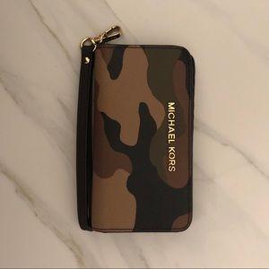 Michael Kors Wristlet / Wallet